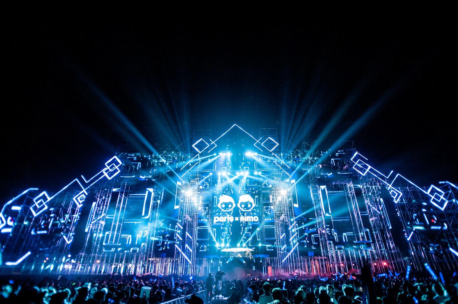 Hình ảnh sân khấu âm nhạc