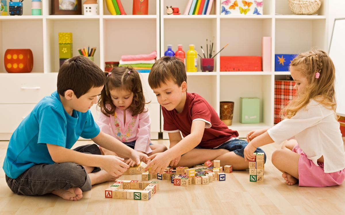 Hình ảnh trẻ làm việc nhóm