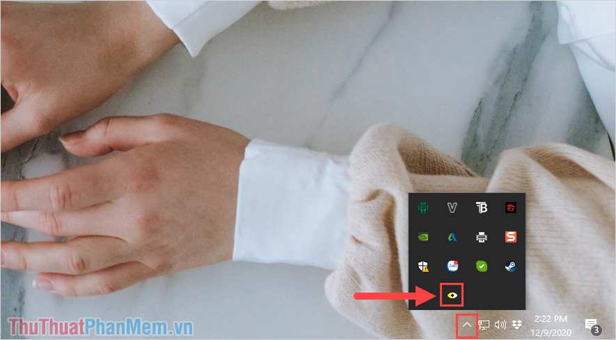 Mở mục More của thanh Taskbar và tìm đến biểu tượng con mắt của ScreenTemperature