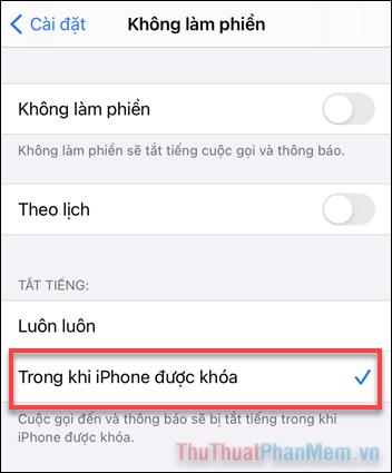 Chọn Tắt tiếng Trong khi iPhone được khóa