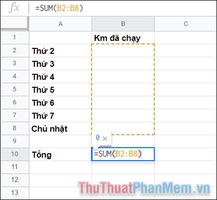 Đặt một hàm SUM cơ bản để cộng tổng số liệu của các ngày trong tuần