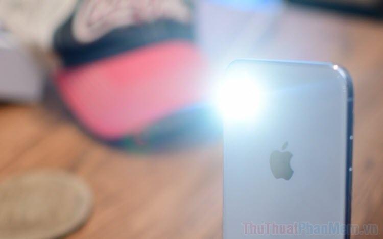 Cách điều chỉnh độ sáng đèn Pin trên iPhone