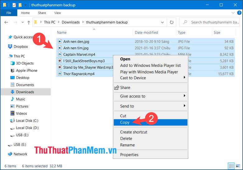 Click chuột phải vào file và chọn Copy