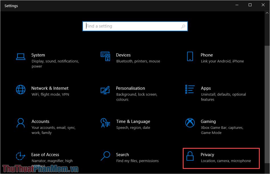 Chọn mục Privacy để mở thiết lập trên máy tính