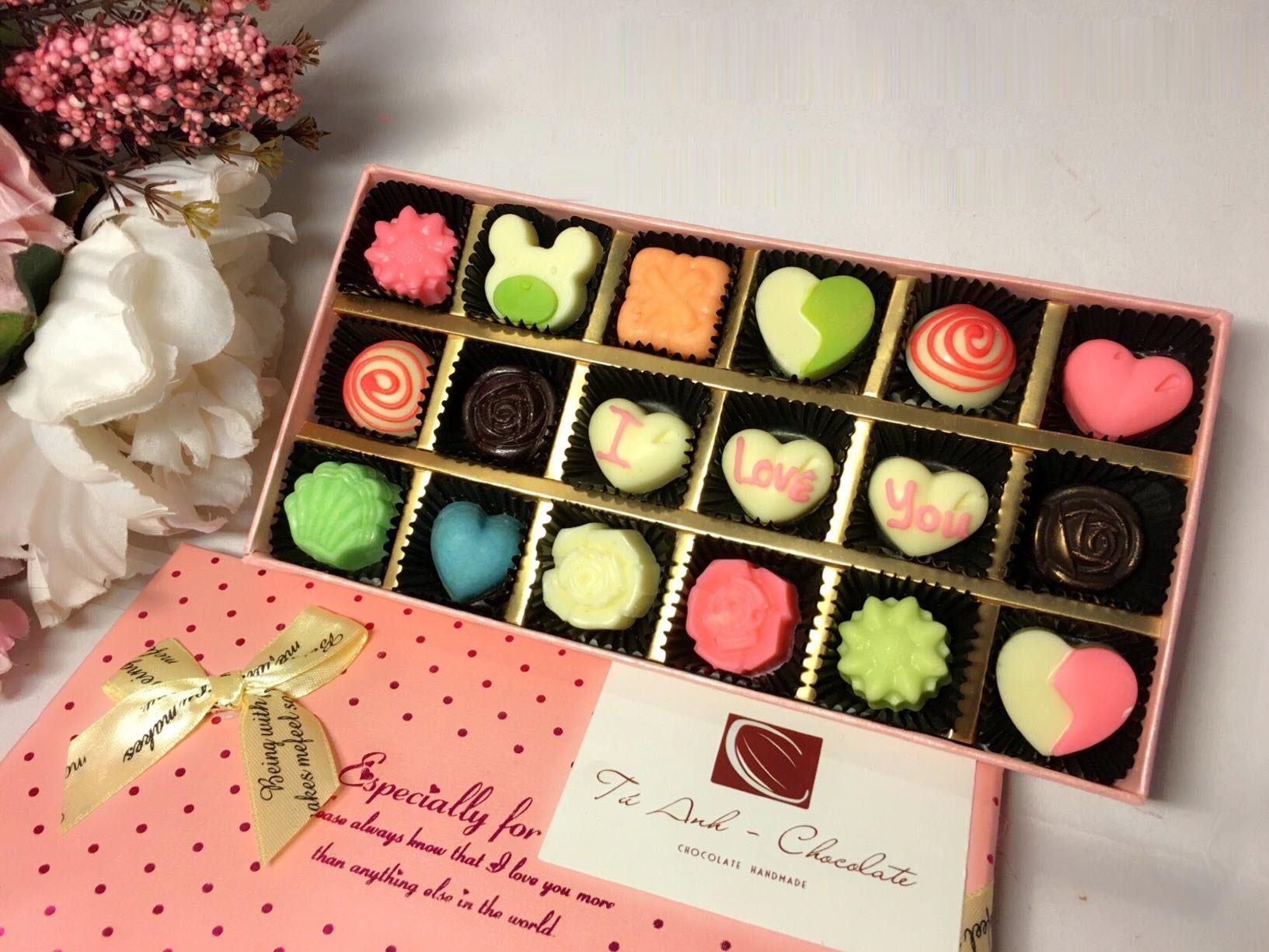 Hình ảnh Socola Valentine hộp hình chữ nhật